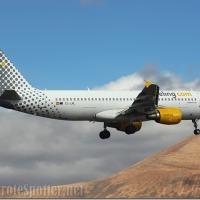 EC-LML Vueling Airbus A320-214